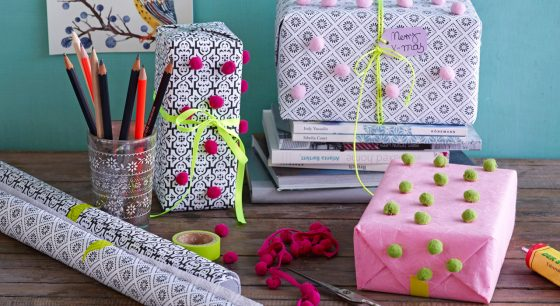 10 fun DIY ideas to reuse your christmas wrapping paper DIY Tricks